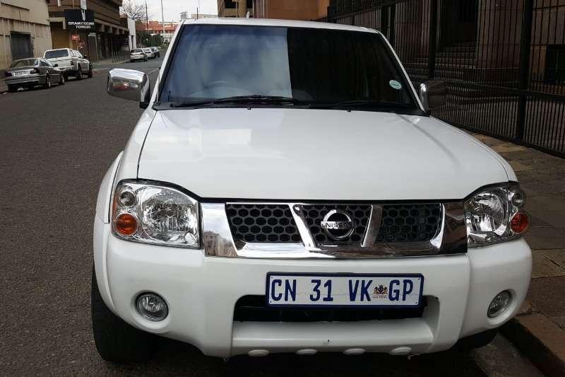 Nissan NP300 Hardbody 2.4 4x4 2013