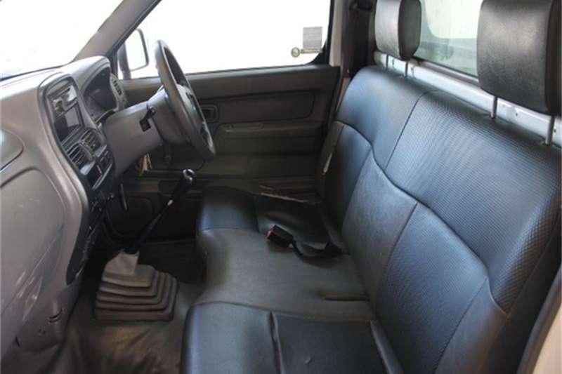 Nissan NP300 Hardbody 2.4 4x4 2014