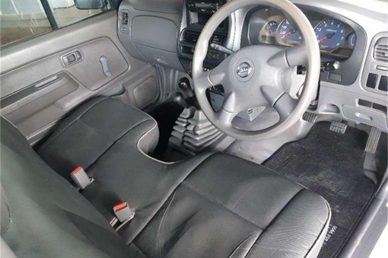 Nissan NP300 Hardbody 2.4 4x4 mid 2016