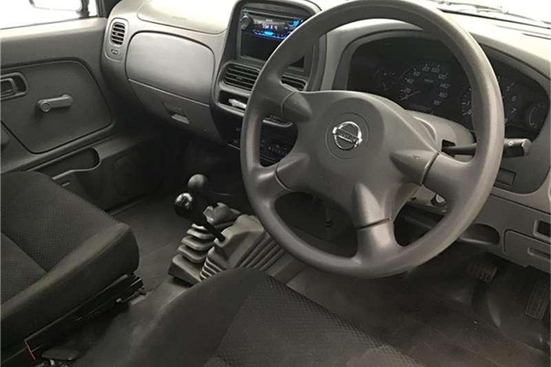 Nissan NP300 Hardbody 2.4 4x4 mid 2017
