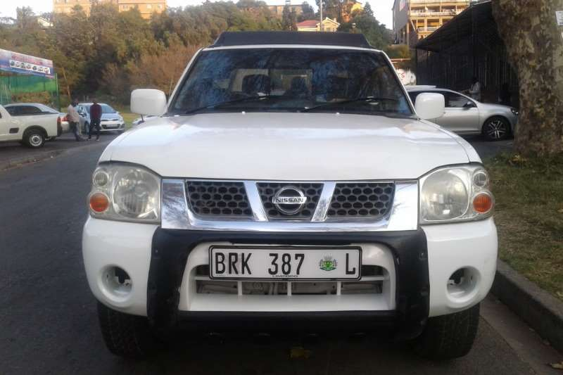 Nissan NP300 Hardbody 2.4 double cab 4x4 2007