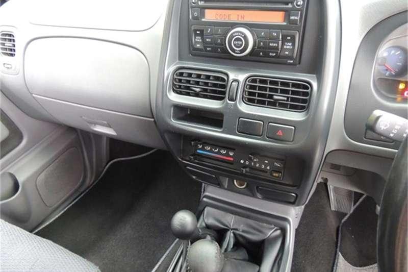Nissan NP300 Hardbody 2.4 double cab 4x4 2016