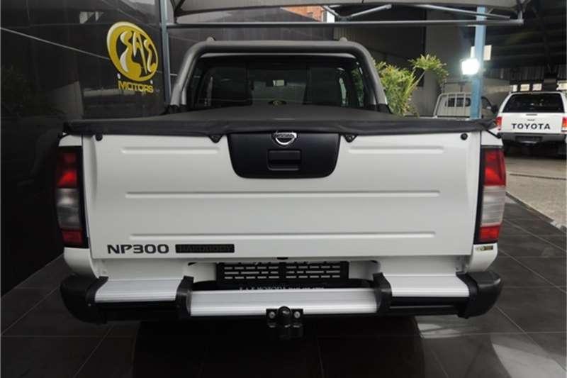 Nissan NP300 Hardbody 2.4 double cab Hi rider 2015