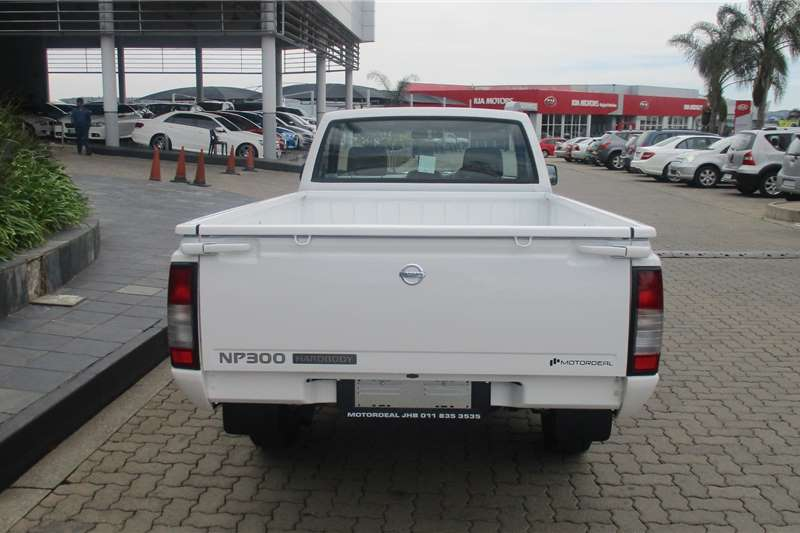 Nissan NP300 Hardbody 2.5TDi 2021