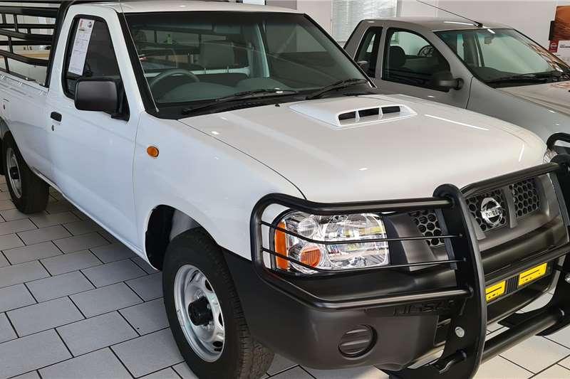 Nissan NP300 Hardbody 2.5TDi (aircon) 2020