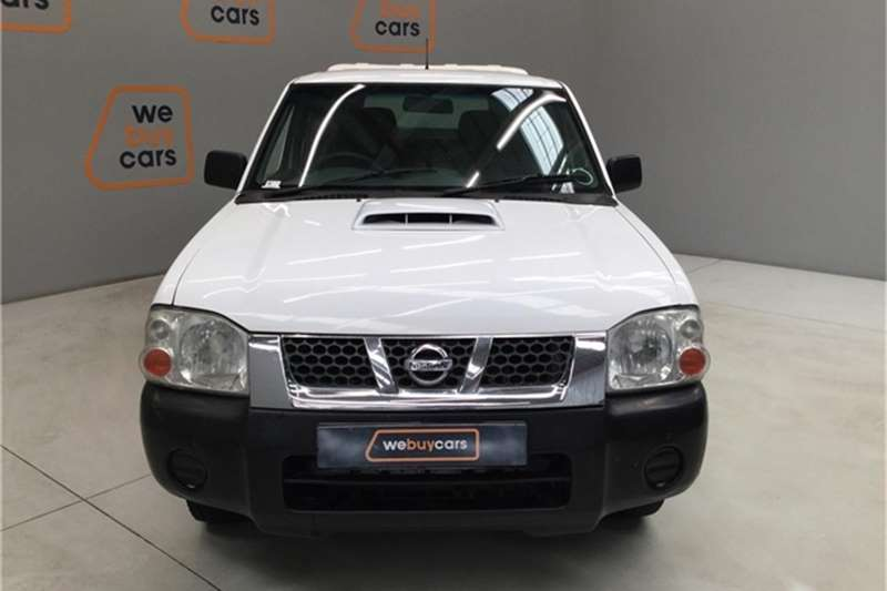 Nissan NP300 Hardbody 2.5TDi double cab 2012