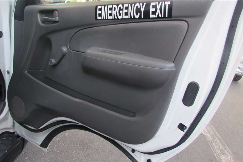 Nissan NV350 panel van 2.5i 2019