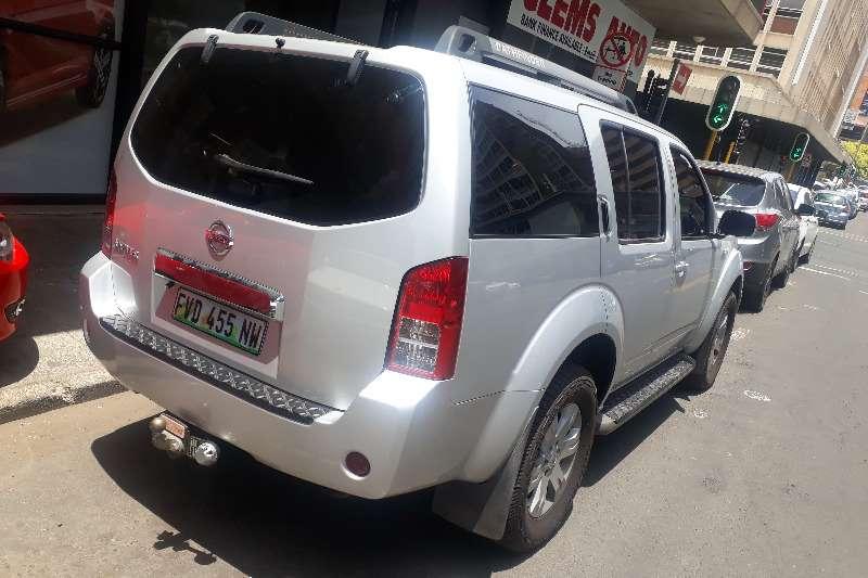 Nissan Pathfinder 4.0 V6 LE automatic 2009