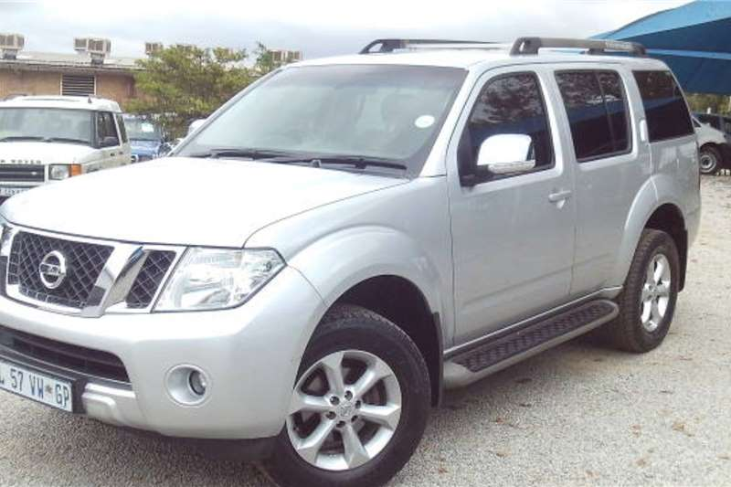 2014 Nissan Pathfinder 2.5dCi LE tiptronic