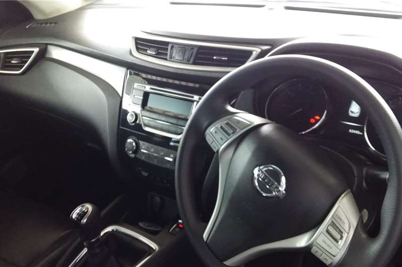 Nissan Qashqai 1.2T ACENTA CVT 2016