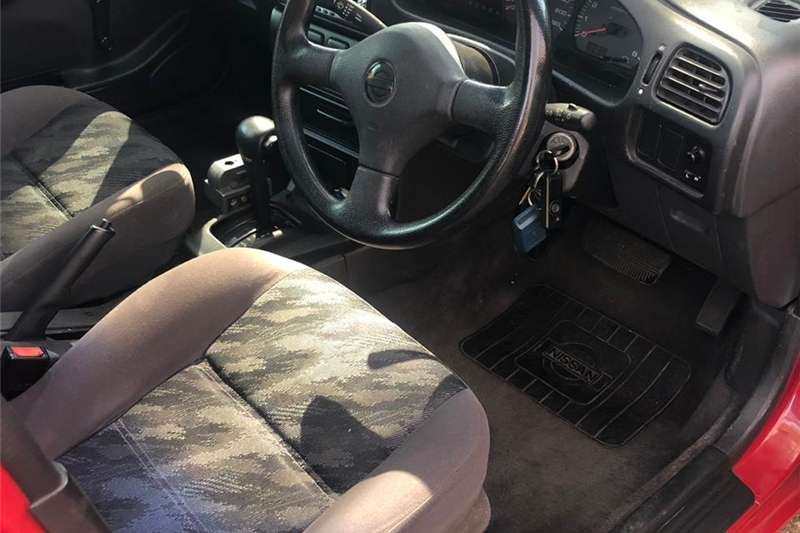 Nissan Sentra 1.6 Acenta auto 2000