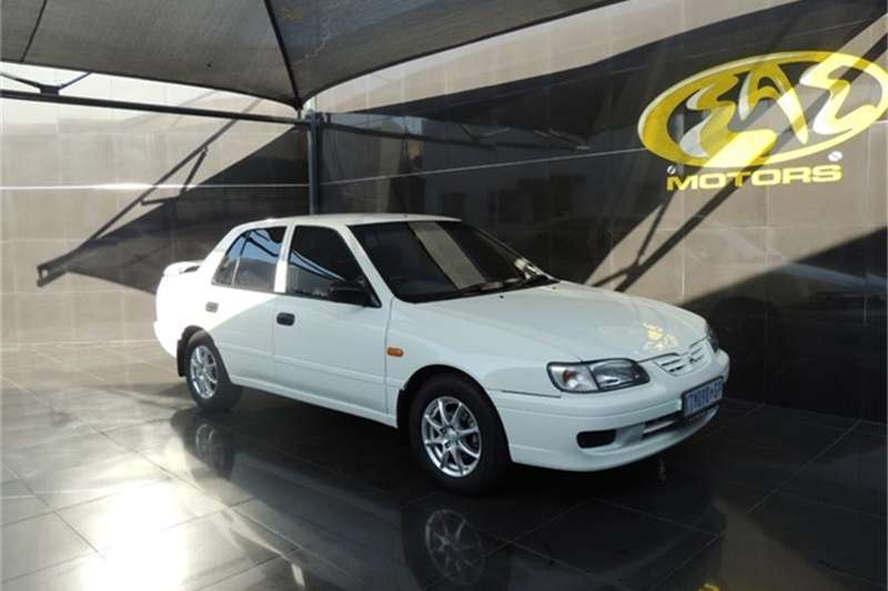 Nissan Sentra 160 Si 2000