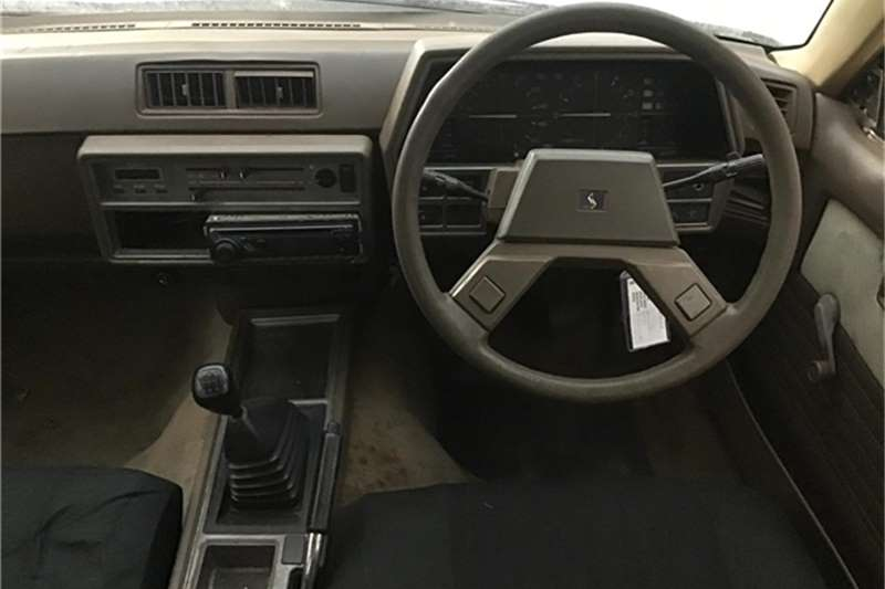 Nissan Skyline 1985