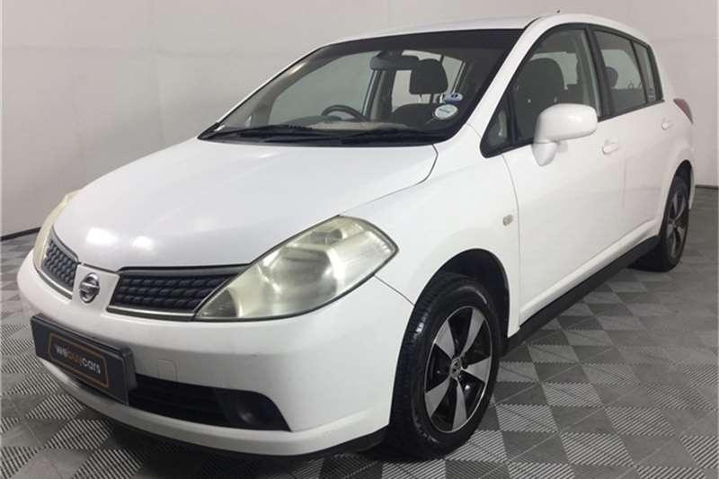 Nissan Tiida hatch 1.6 Visia+ 2009
