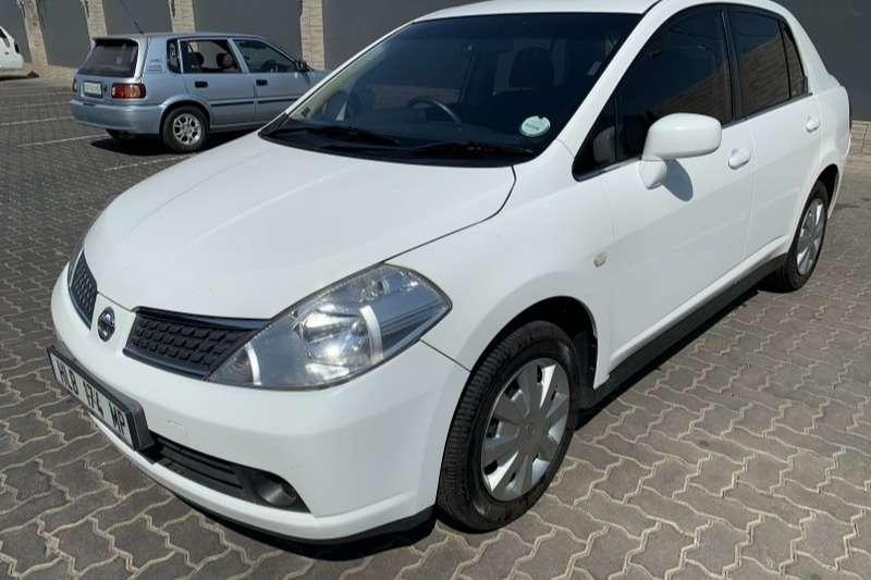 Nissan Tiida hatch 1.6 Visia+ 2012