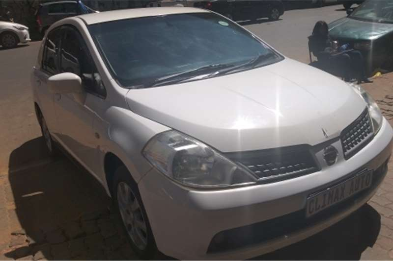 2011 Nissan Tiida sedan 1.8 Acenta