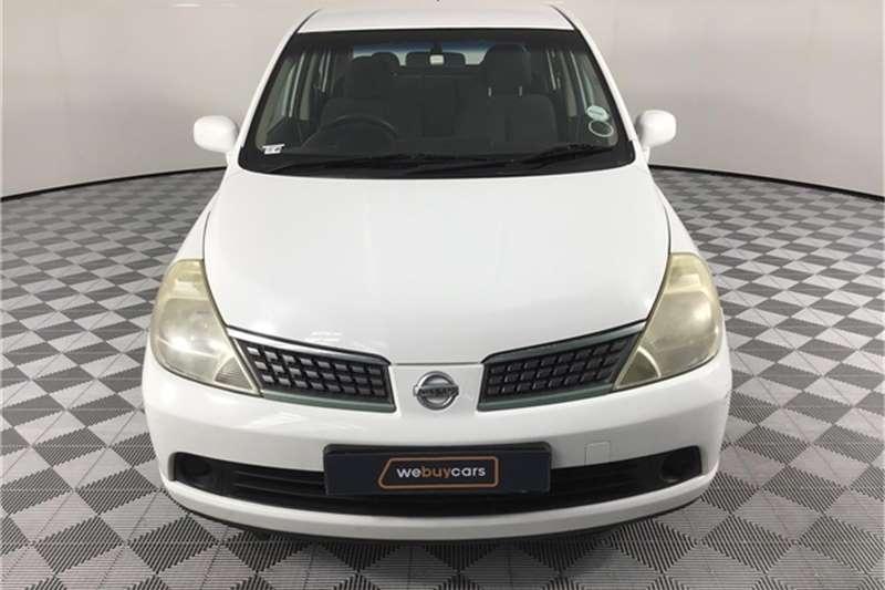 Nissan Tiida sedan 1.6 Visia+ 2011