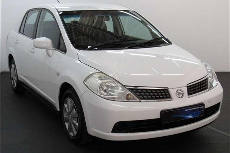 Nissan Tiida sedan 1.6 Visia+ auto 2010