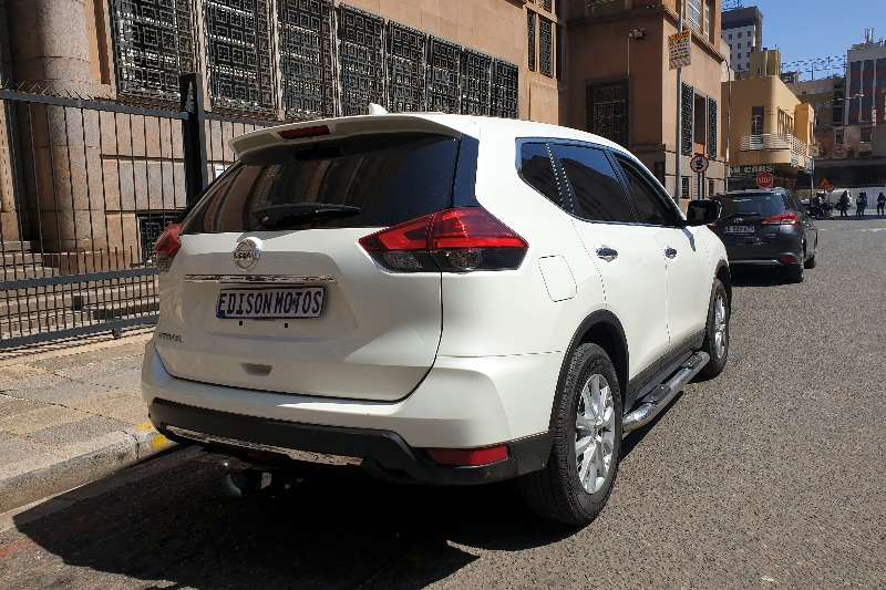 Nissan X-Trail 2.5 4x4 LE 2020