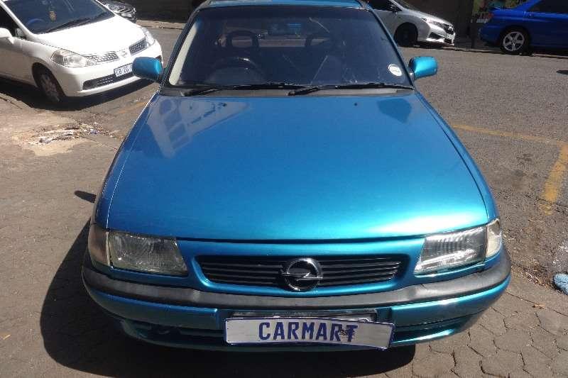 Opel Astra 1.4 Essentia 1998