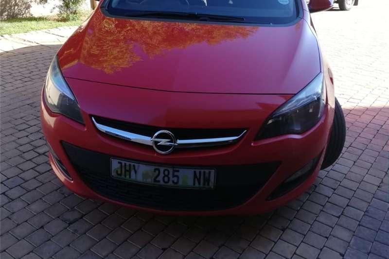 Opel Astra 1.4 Essentia 2015