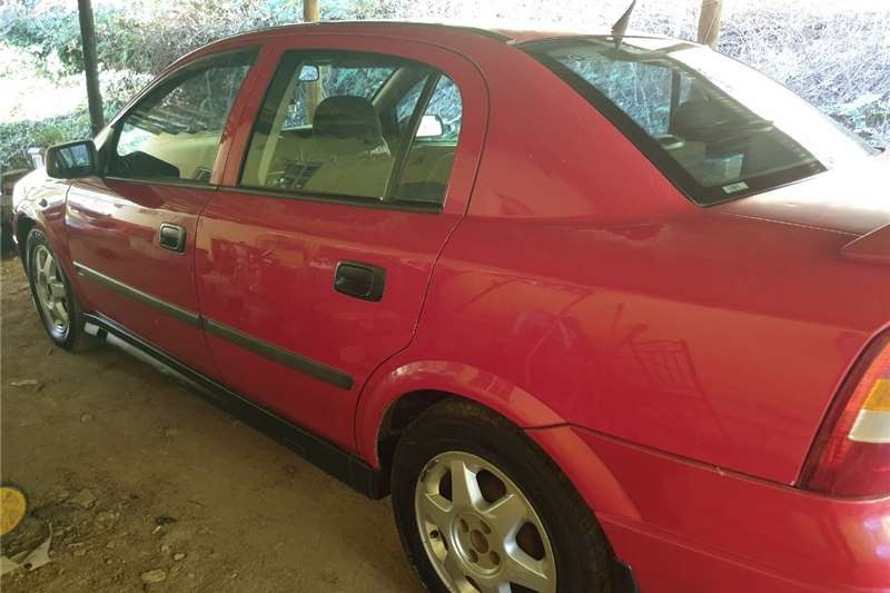 Opel Astra 1.6 Enjoy 2000