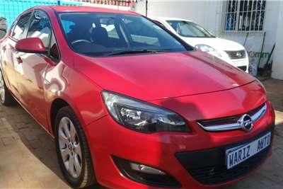 Opel Astra 1.6 Enjoy 2013