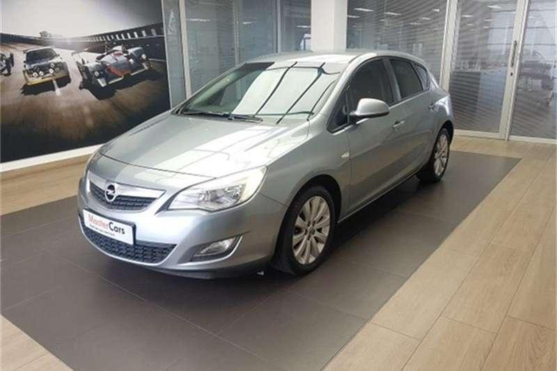 Opel Astra 1.6 Essentia 2011