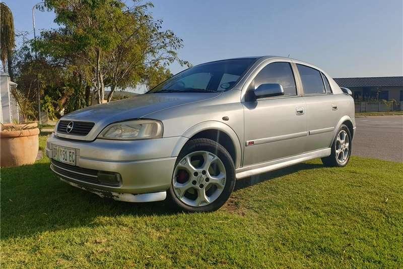 Opel Astra 2.0 GSi 2000
