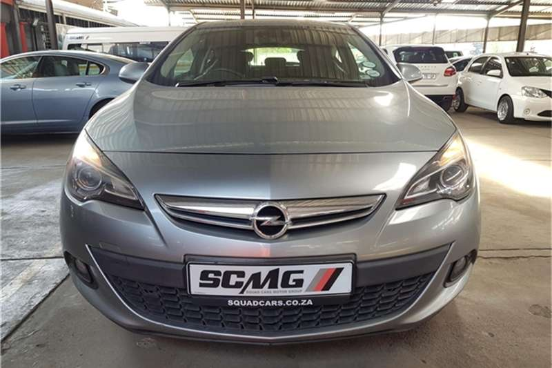 Opel Astra GTC 1.4 Turbo Enjoy 2012