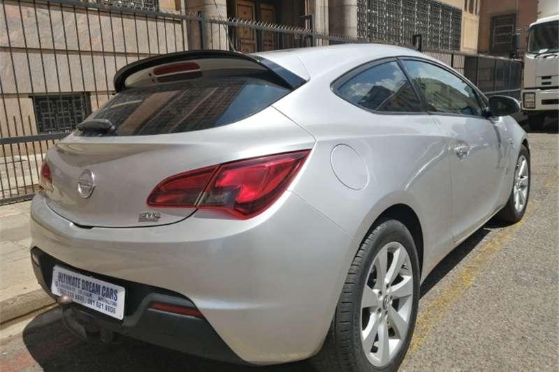 Opel Astra GTC 1.4 Turbo Enjoy 2014