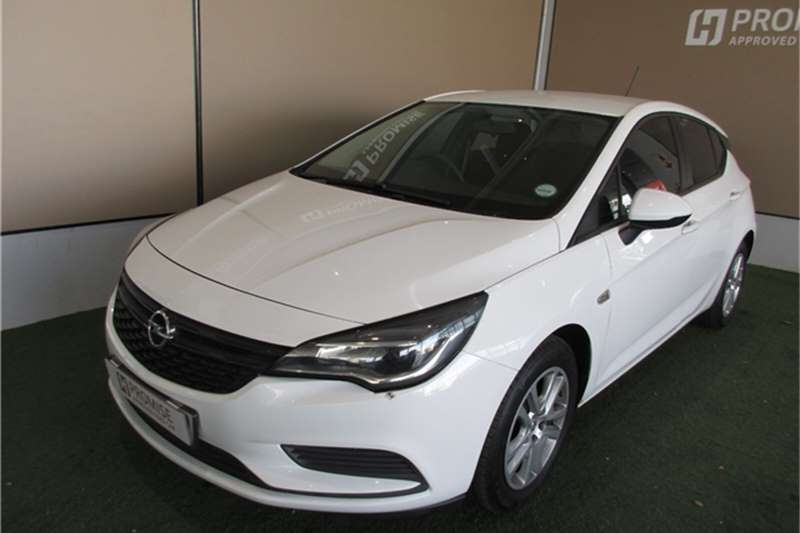 Opel Astra hatch 1.0T Essentia 2016