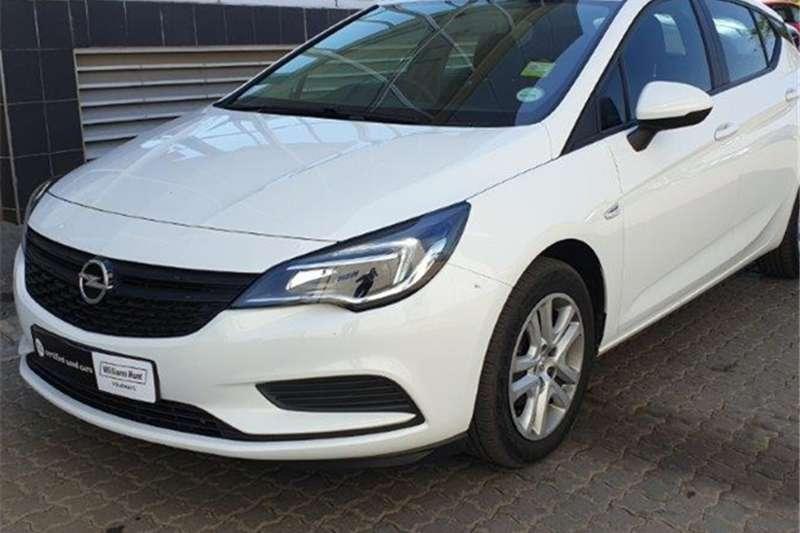 Opel Astra hatch 1.0T Essentia 2019