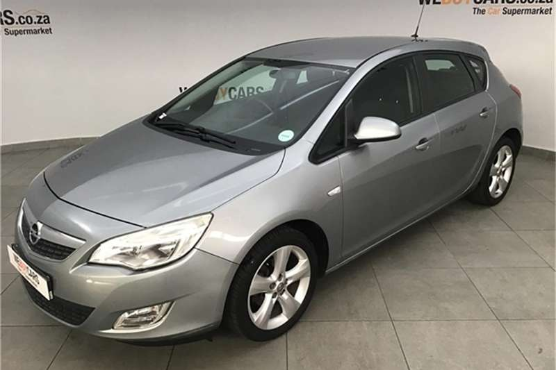 Opel Astra hatch 1.4 Turbo Enjoy 2011