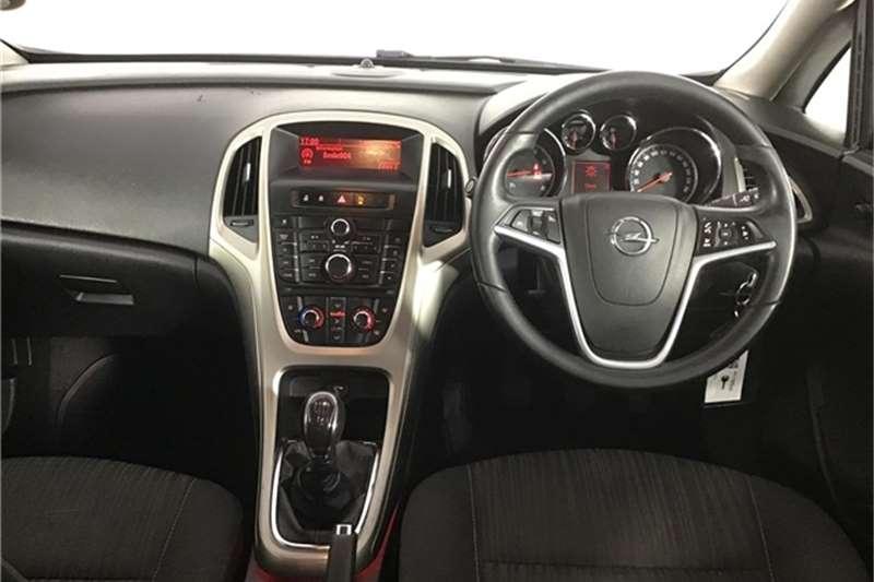 Opel Astra hatch 1.4 Turbo Enjoy 2011