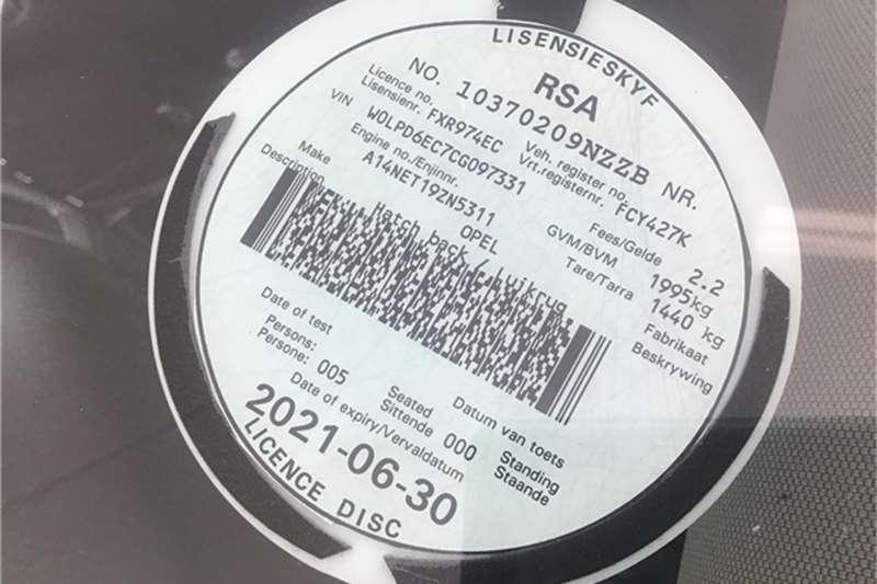 Opel Astra hatch 1.4 Turbo Enjoy 2012
