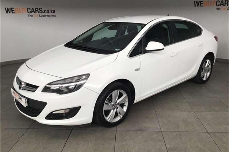 Opel Astra hatch 1.4 Turbo Enjoy 2015