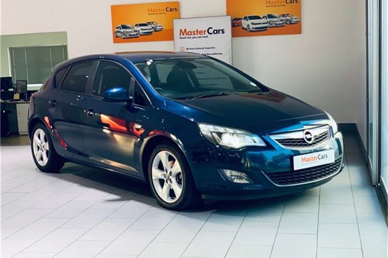 Opel Astra hatch 1.4 Turbo Enjoy Plus 2013