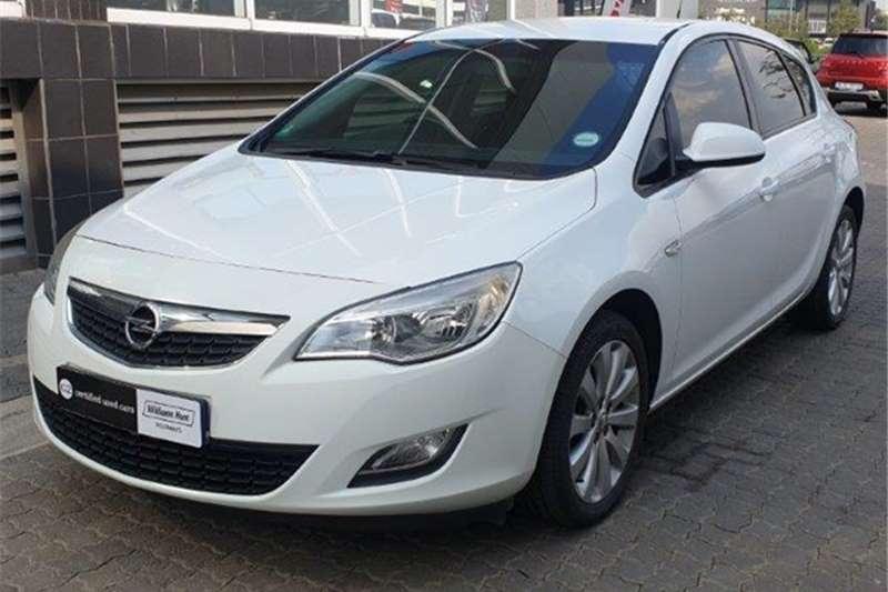 Opel Astra hatch 1.6 Essentia 2011