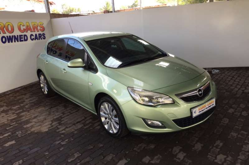 2011 Opel Astra hatch