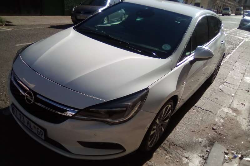Opel Astra Hatch ASTRA 1.6T SPORT PLUS (5DR) 2017