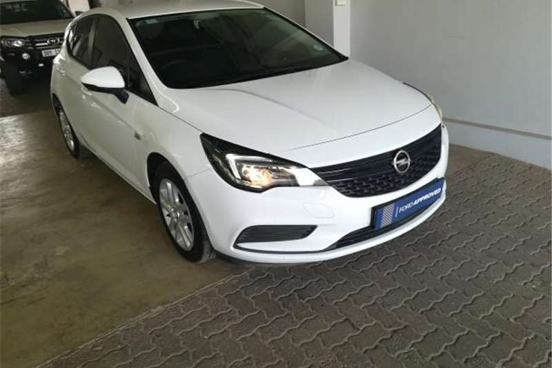 2018 Opel Astra hatch 1.0T Essentia