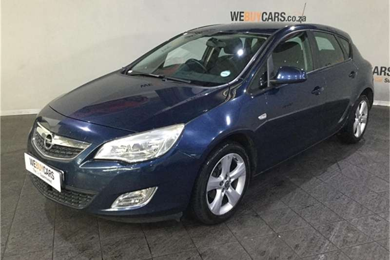2013 Opel Astra hatch 1.4 Turbo Enjoy