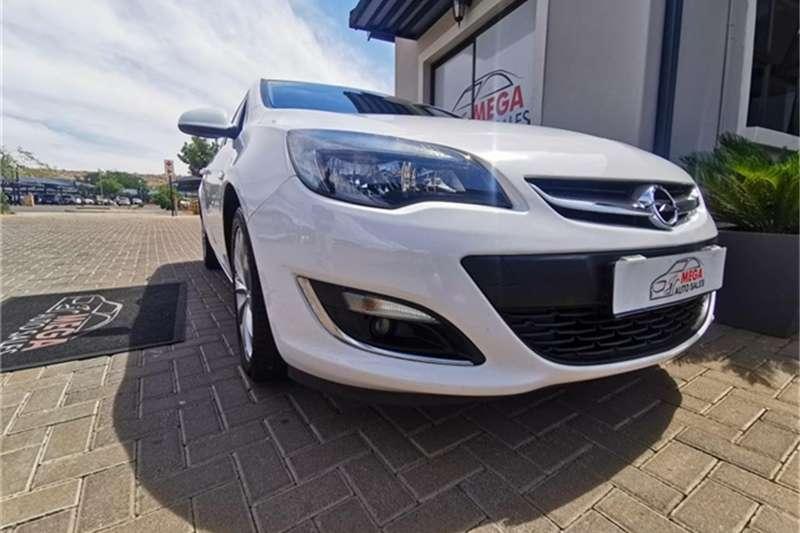 2014 Opel Astra hatch 1.4 Turbo Enjoy