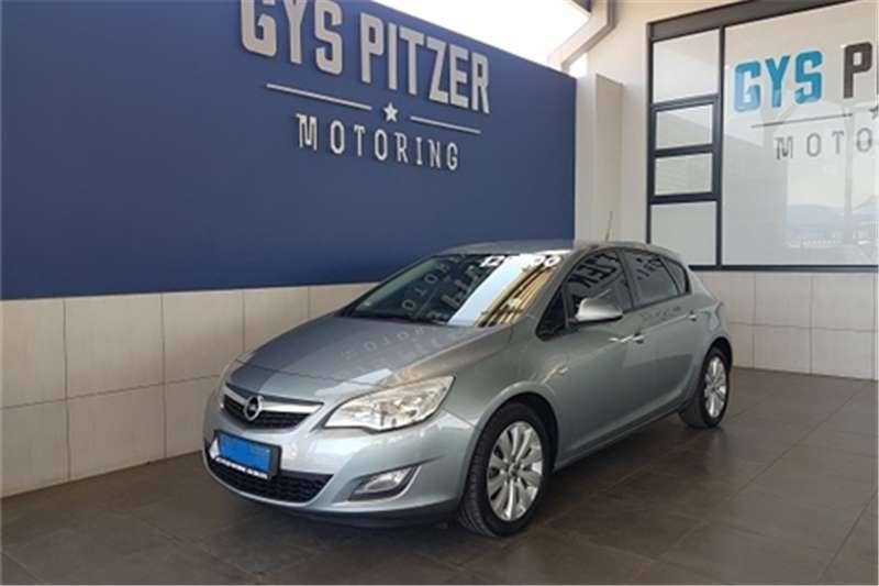2012 Opel Astra hatch 1.6 Essentia