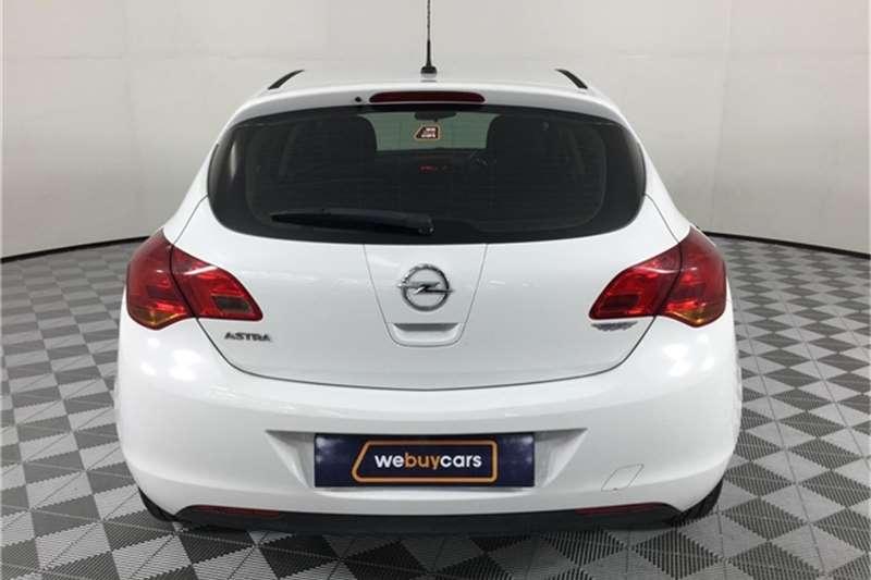 2011 Opel Astra hatch 1.6 Essentia
