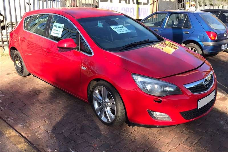 Used 2013 Opel Astra
