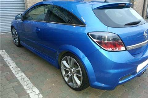 Opel Astra OPC+ 2010