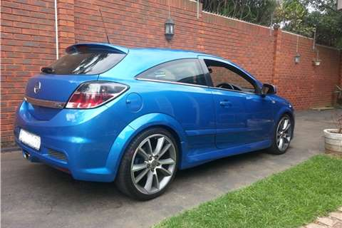 Opel Astra OPC+ 2010