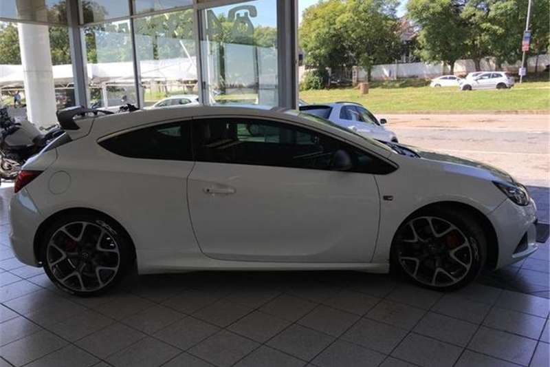 Opel Astra OPC 2013